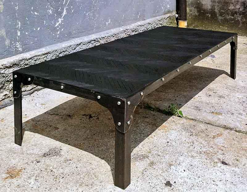 tavolino nero legno e ferro