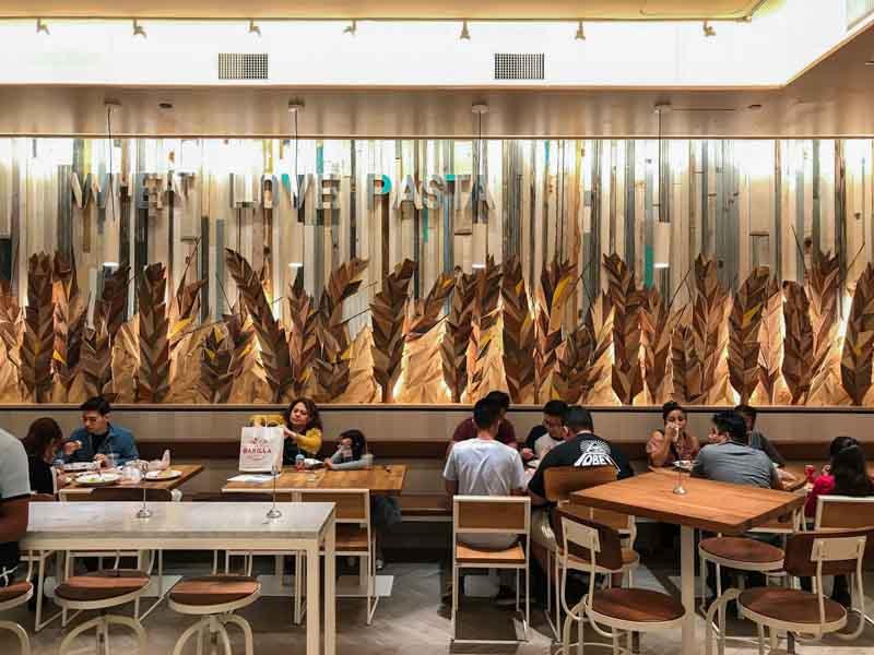 quadro di legno con spighe di grano