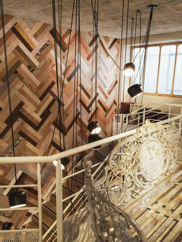 rivestimento parete con legno di riciclo