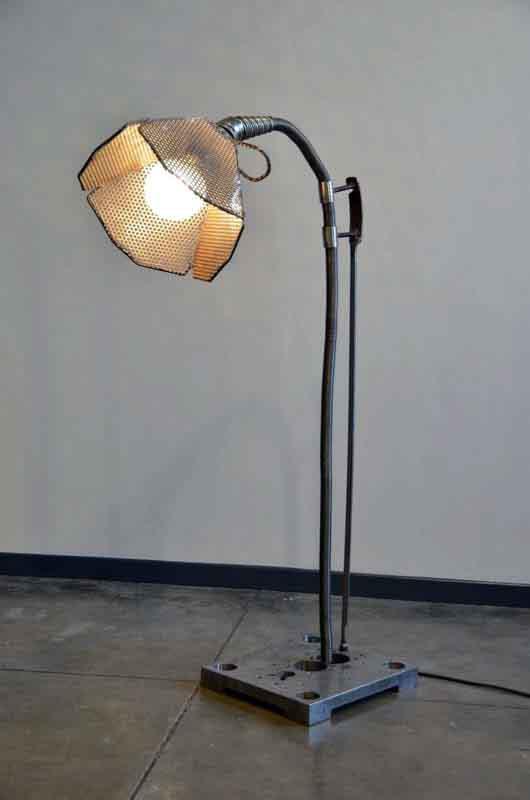 lampada fatta a mano di ferro