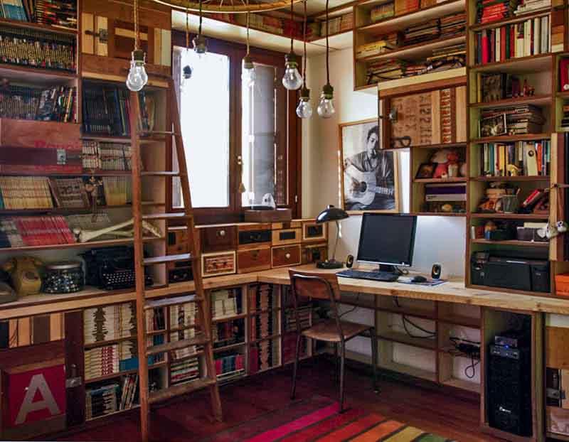 libreria su misura legno riciclato