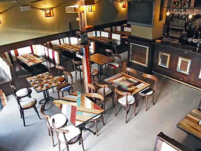 interno pub Bench Milano
