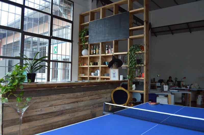 bancone bar con legno riciclato