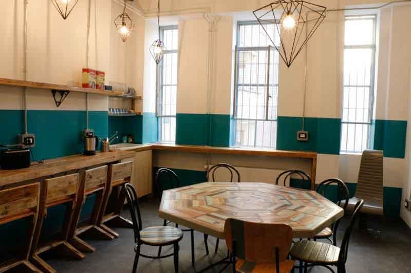 cucina collettiva madama hostel