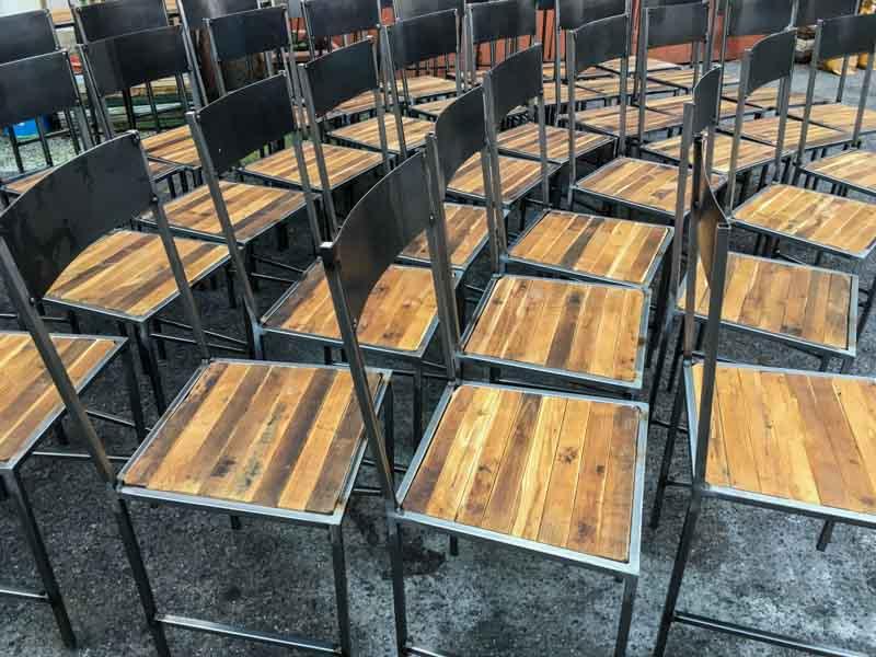 sedie design legno e ferro per ristorante Milano