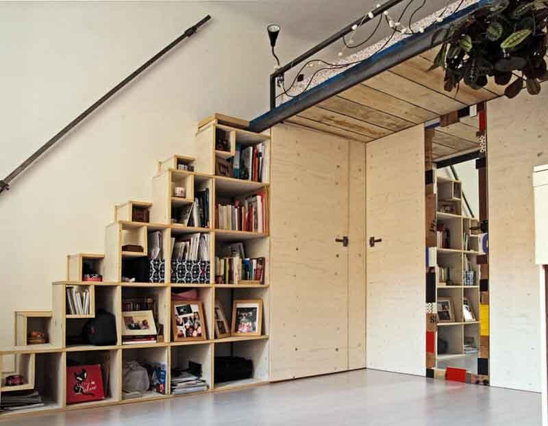 scala e libreria con soppalco
