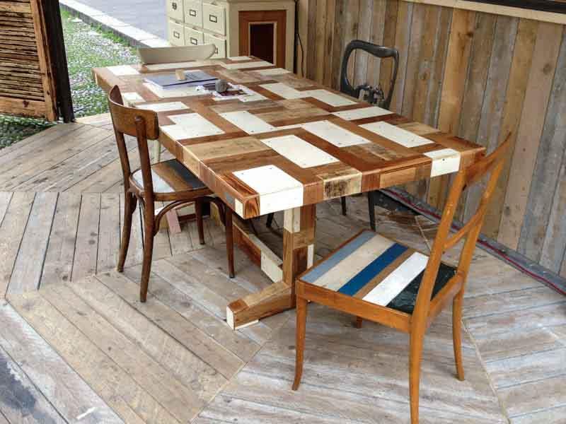 tavolo a fratino di legno riciclato