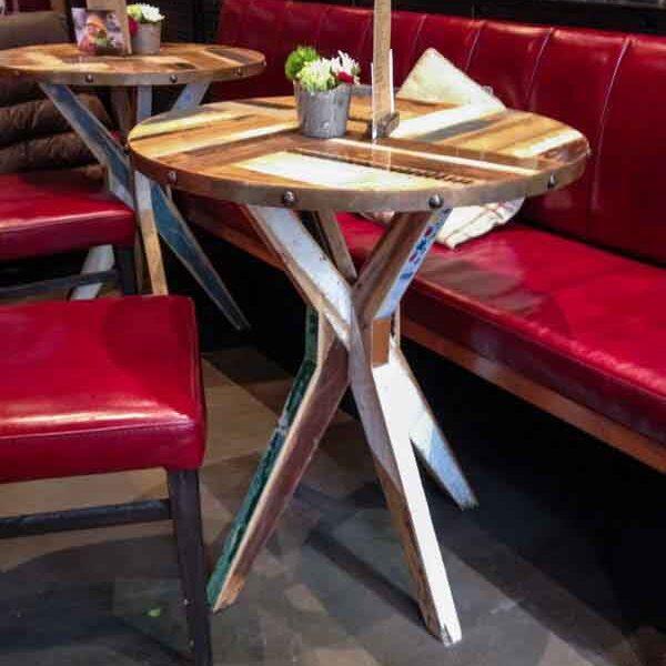 tavolino da bistrot di legno