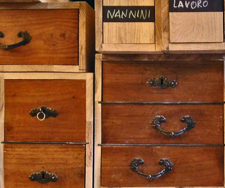 cassettiera di legno di riciclo