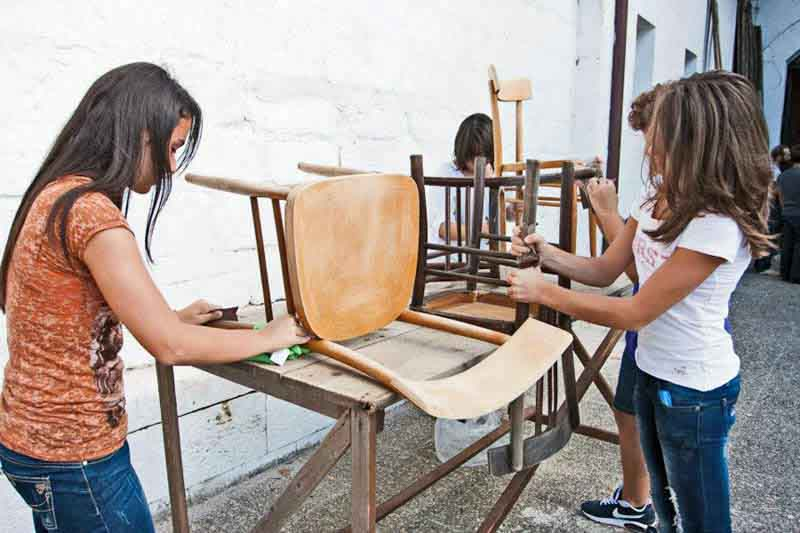 recuperare vecchie sedie di legno