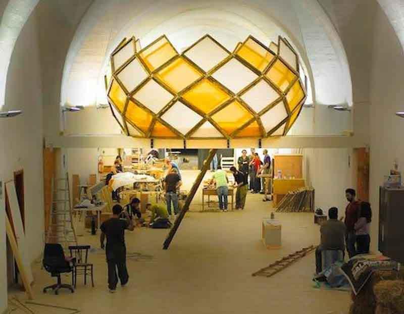 costruzione della struttura a goccia dell' Ex Fadda