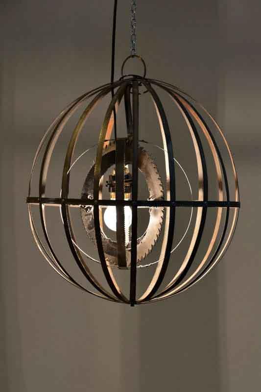 lampadario di ferro di recupero fatto a mano