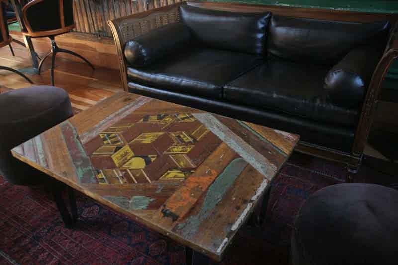tavolino basso fatto a mano