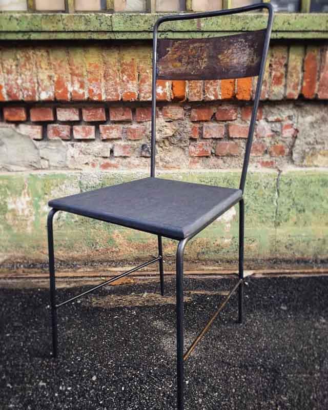 sedia fatta a mano a Milano