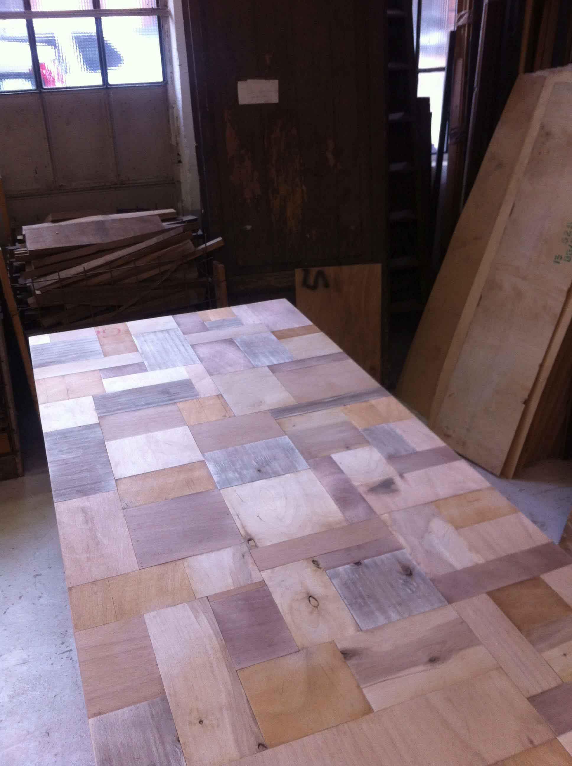 ripiano di un tavolo di legno di recupero naturale