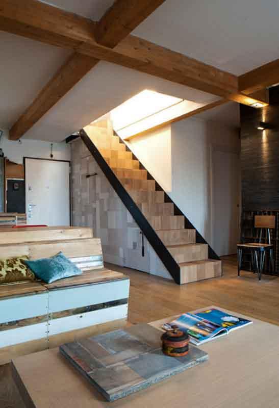 scala legno e ferro con armadio su misura