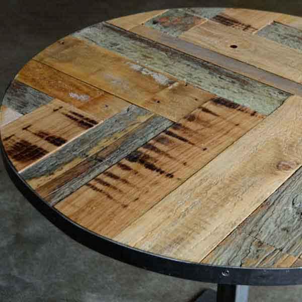 tavolino da bistrot con legno riciclato