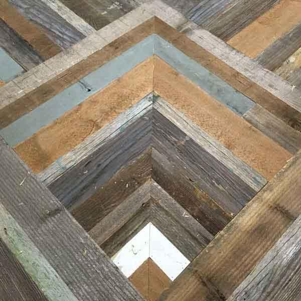 composizione di legno fatta a mano
