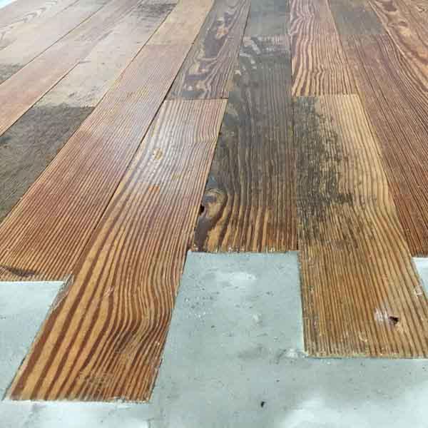 parquet di peach pine recuperato e cemento