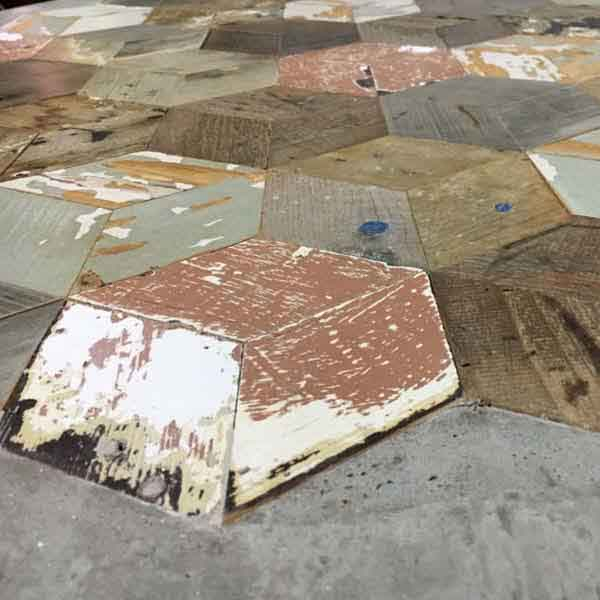 esagoni di legno riciclato e cemento